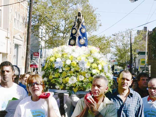 Imigrantes celebram o Dia da Padroeira do Brasil em NJ
