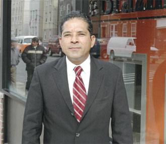 Candidato presidencial socialista defende plataforma pró-imigrante em New Jersey