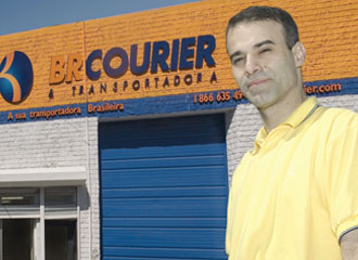 Imigrantes brasileiros ajustam-se à crise econômica nos EUA