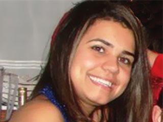 Cabeleireira deportada em New Jersey chega ao Brasil