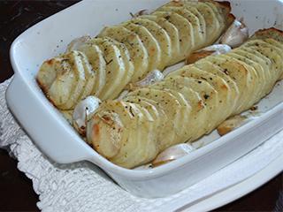 Batatas assadas com alho e alecrim